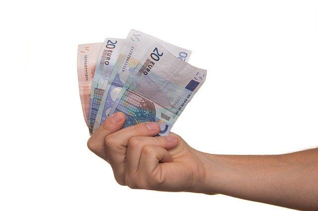 Prestiti Compass: finanziamenti per pensionati, stranieri, dipendenti e aziende